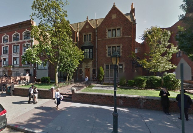 The Chabad-Lubavitch Headquarters in Crown Heights was the sight of a stabbing and shooting early this morning (screenshot via Google Maps).