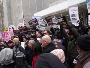 Teamsters and others opposed to the carriage horse ban hold a rally. (Photo: Jillian Jorgensen)