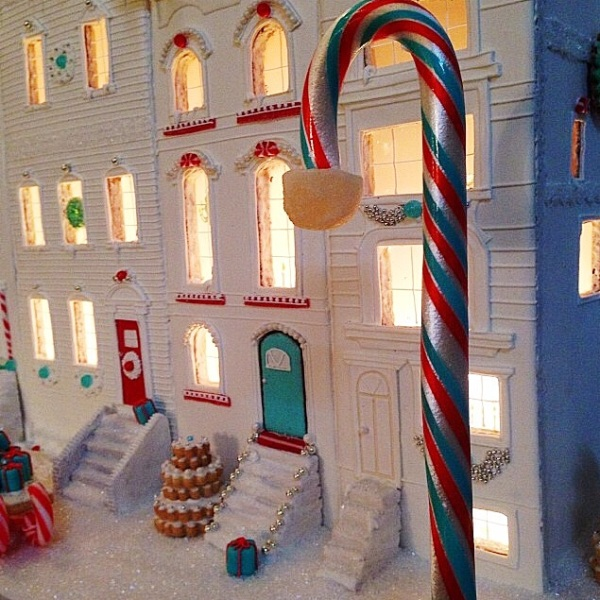 A detail of a gingerbread block. (Courtesy Baked Ideas.)