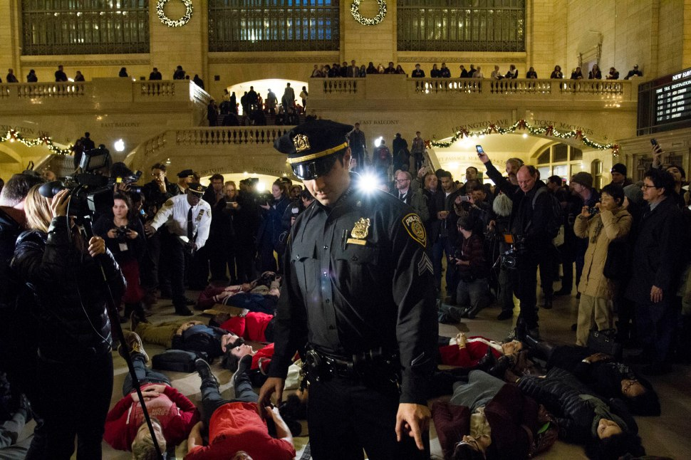 Protesters in Grand Central Station (Daniel Cole/For New York Observer)