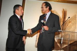 Harold Varmus, right, with Lance Armstrong. (Patrick McMullan)