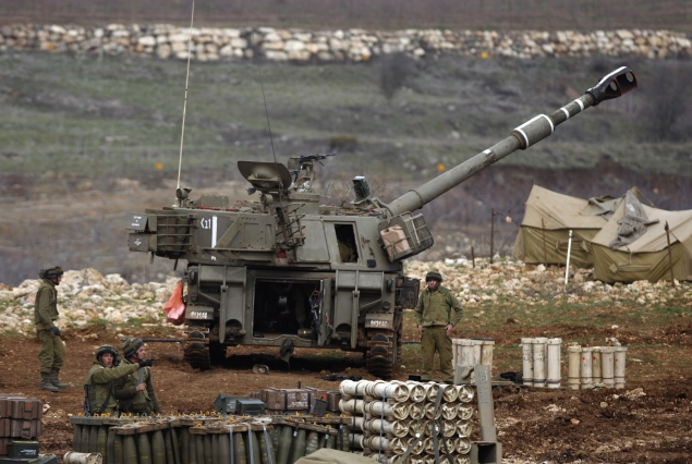 An Israeli army mobile artillery cannon is stationed on the Golan Heights (Photo: JALAA MAREY/AFP/Getty Images).