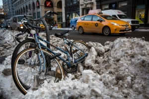 The city has started the clean-up following the blizzard that never was (Photo: Andrew Burton/Getty).
