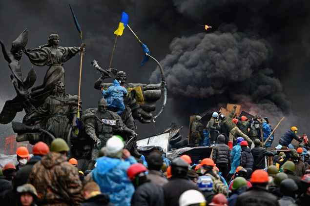 Anti-government protesters clashing with police in Independence square, February 20, 2014 in Kiev, Ukraine. Hopes that Ukraine would mature into a western democracy have decayed as a motley crew of leaders has taken center stage (Photo by Jeff J Mitchell/Getty Images)