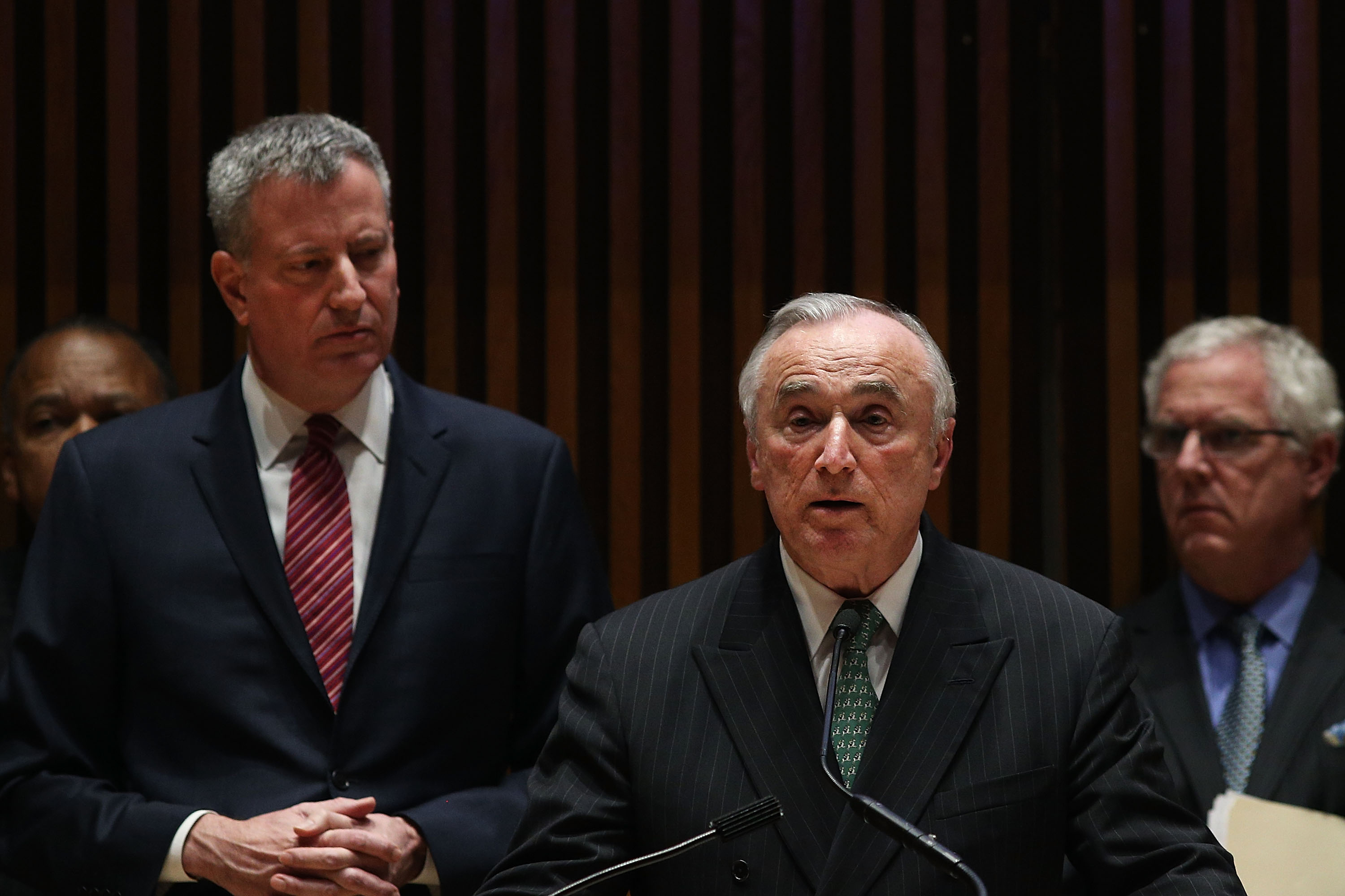 Mayor Bill de Blasio with Police Commissioner Bill Bratton. (Photo by Spencer Platt/Getty Images)
