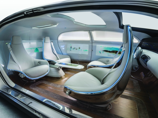 Inside the F015 (Photo: Mercedes-Benz).