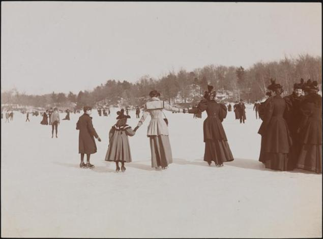 Ice skaters in Central Park, Museum of the City of New York.