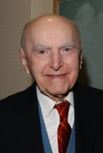 Stephen Stephanchev, the first poet laureate of Queens, turns 100 today (Photo:... ).