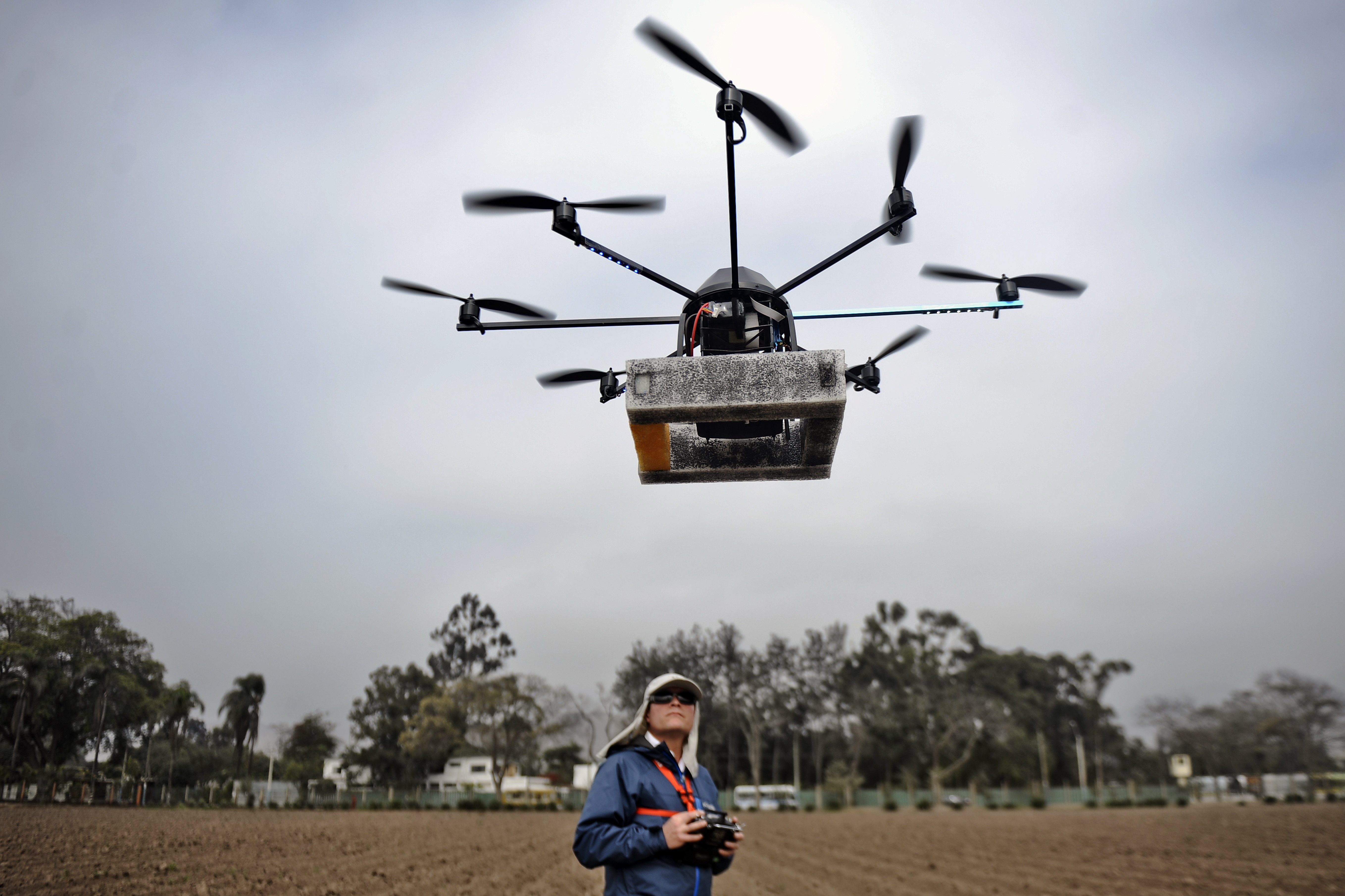 Commercial drone operators fall into two categories: the kind that want to use just an few drones, and the kind that want entire flying networks of remote copters. (Photo: Getty)