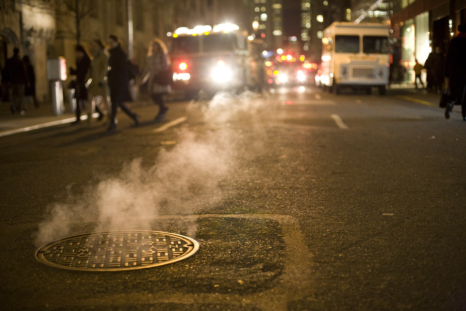 Smoke comes out of manhole in NYC (Dan Phiffer/Flickr)