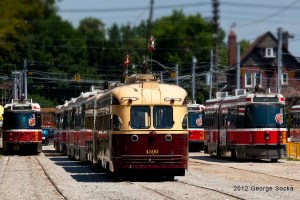 The City needs to bring back streetcars. (Photo: Wikipedia)