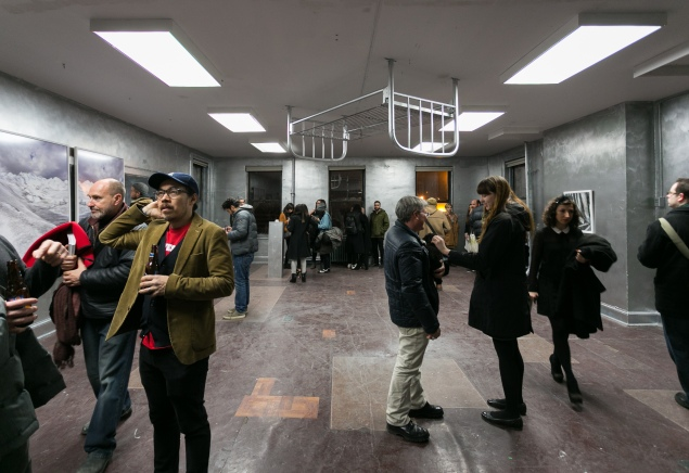 Visitors at the SPRING/BREAK Art Show in 2014, when the fair was located at the Old School in Nolita. (Photo by Samuel Sachs Morgan)
