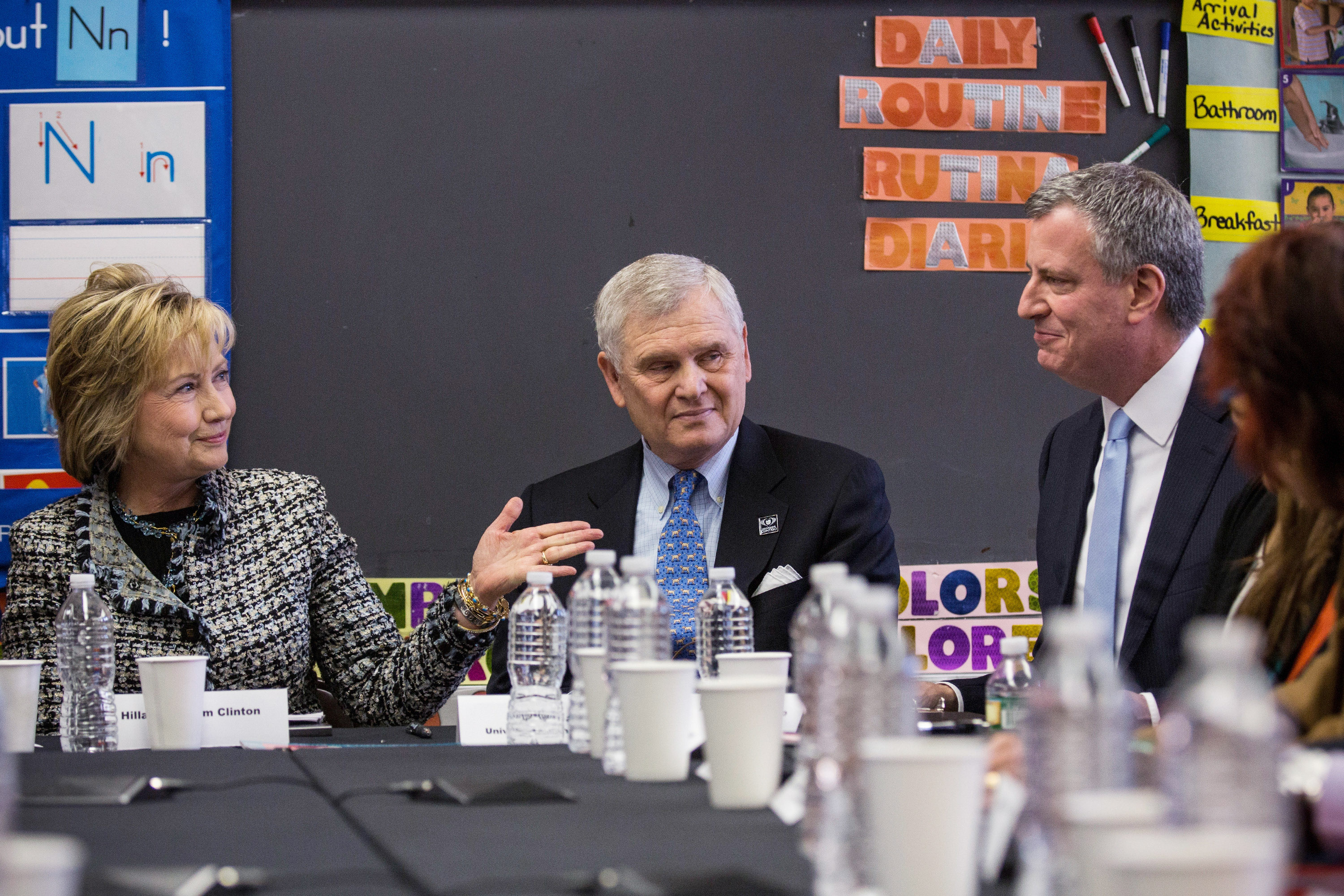Former Secretary of State Hillary Clinton, left,  meets with Mayor Bill de Blasio last year ((Photo: Andrew Burton/Getty Images)
