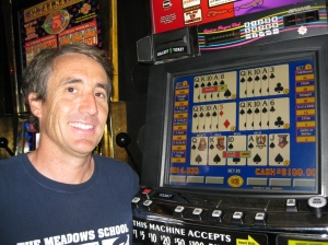 Mike hitting an $8,000 royal flush at the Riviera (Photo: WizardOfOdds.com)