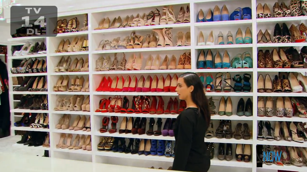 One of Khloé's 87 walk-in closets (Screengrab: E! Online).