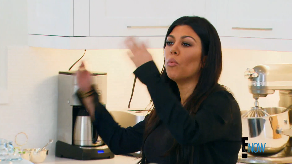 """""""You're a joke, Kim"""" (Screengrab: E! Online)."""