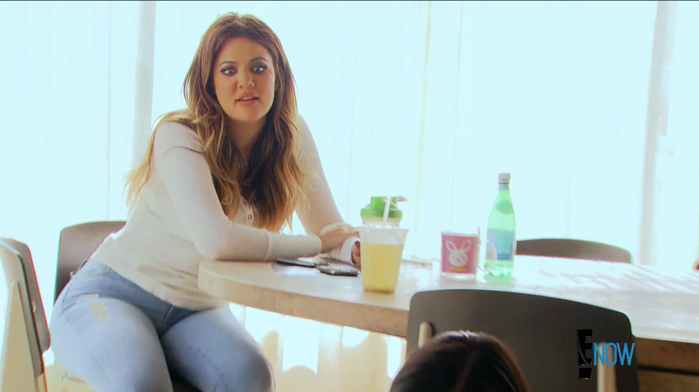 Khloé's great at reaction shots (Screengrab: E! Online).