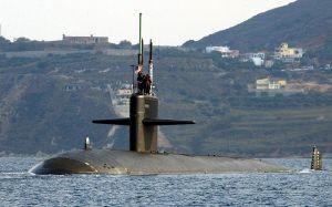 1024px-USS_Newport_News_SSN-750_Oct04_port