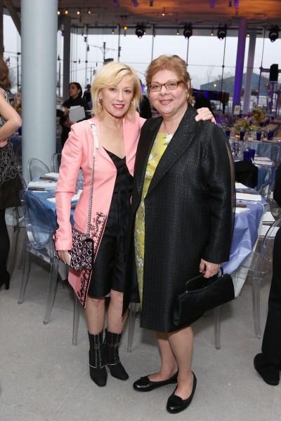 Cindy Sherman, Donna De Salvo