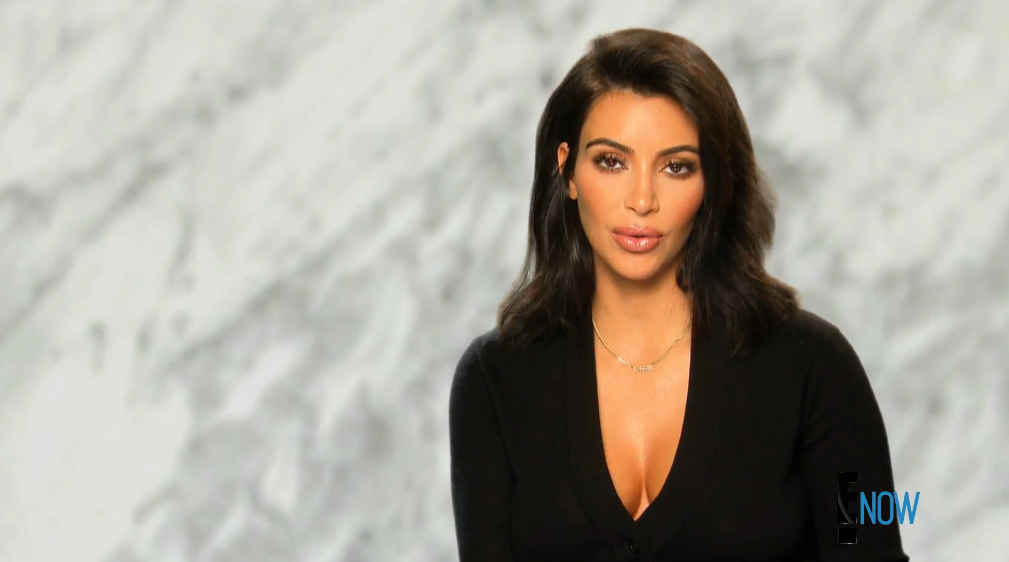 Kim looks amazing in her confessionals this week (Screengrab: E! Online).