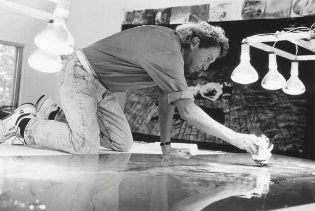 Robert Rauschenberg working on a metal painting in his Laika Lane studio, Captiva, Florida, (1989). (Courtesy  Rauschenberg Foundation)