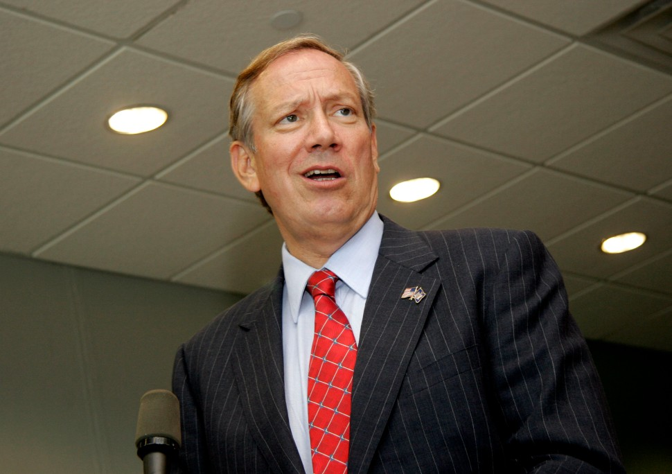 """NEW YORK - JULY 21:   NY Governor George Pataki says a few words while he visits the set of Spike Lee's new film """"Inside Man"""" shooting at Steiner Studios July 21, 2005 in New York City.   (Photo by Fernando Leon/Getty Images)"""