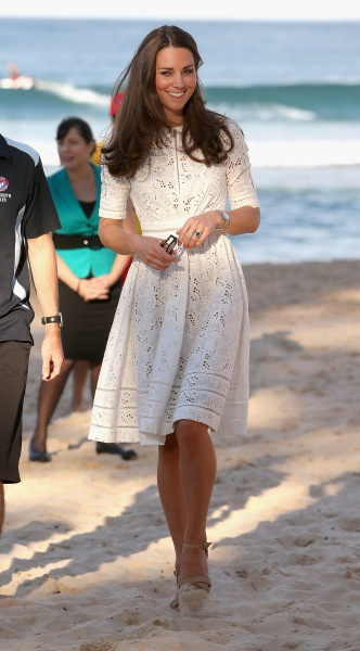 SYDNEY, AUSTRALIA - APRIL 18:  Catherine, Duchess of Cambridge walks on the sand at a lifesaving event on Manley Beach on April 18, 2014 in Sydney, Australia. The Duke and Duchess of Cambridge are on a three-week tour of Australia and New Zealand, the first official trip overseas with their son, Prince George of Cambridge.  (Photo by Chris Jackson/Getty Images)