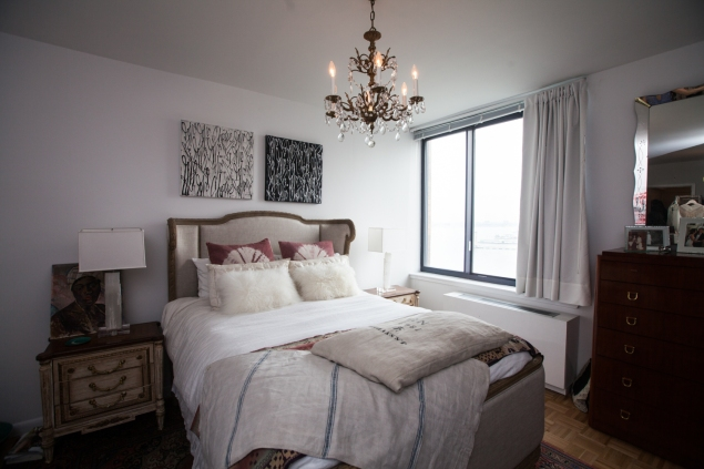 The bedroom. (Photo: Emily Assiran/New York Observer)