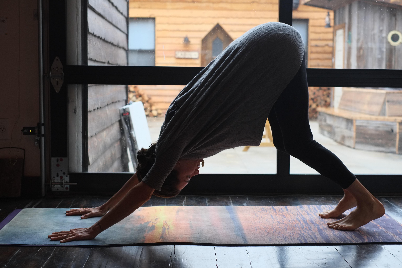 Yogi/meditation guru Elena Bower leading morning yoga. (Photo: Courtesy Folk Rebellion).