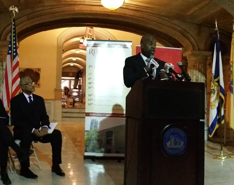 Newark Mayor Ras Baraka announcing its launch of PublicStuff, in partnership with Rutgers University.