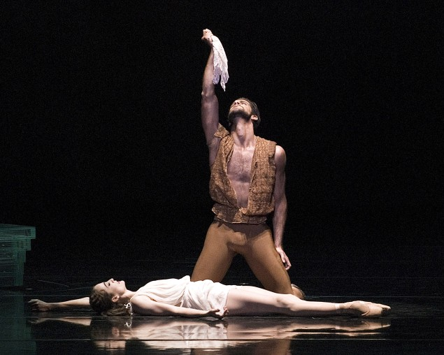 Marcelo Gomes and Julie Kent in Othello. (Photo: Gene Schiavone)