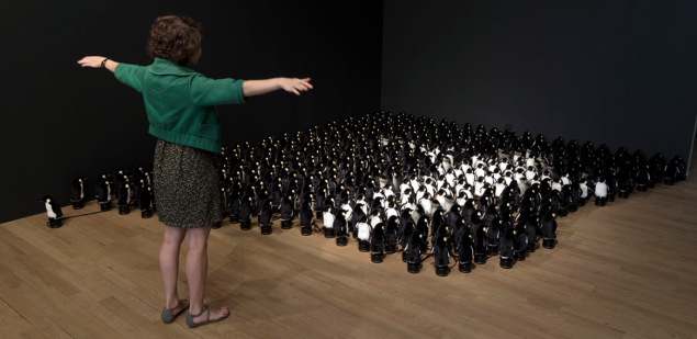 Daniel Rozin, Penguins Mirror, 2015. (Photo: Bitforms)