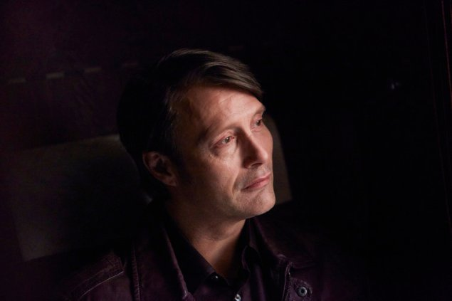 """HANNIBAL -- """"Antipasto"""" Episode 301 -- Pictured: Mads Mikkelsen as Dr. Hannibal Lecter -- (Photo by: Sophie Giraud/NBC)"""