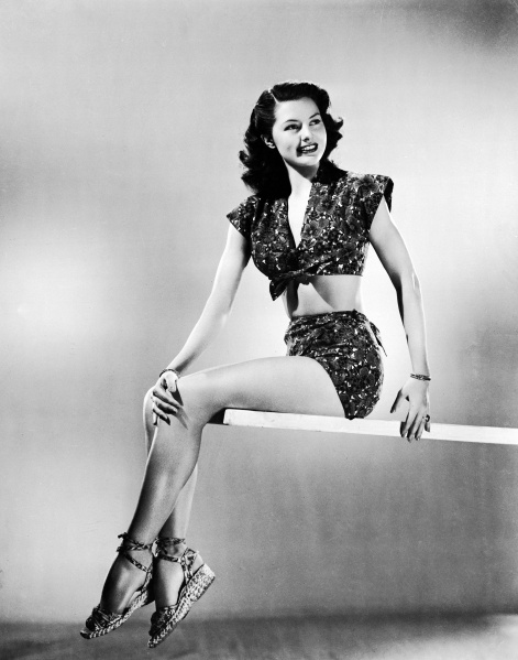 UNITED STATES - JANUARY 01:  Hollywood. Cyd Charisse In Swimsuit  (Photo by Keystone-France/Gamma-Keystone via Getty Images)