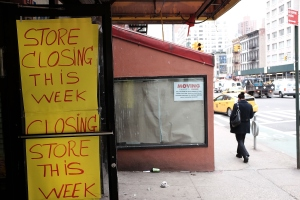 A closed retail store is viewed in Manhattan on April 9, 2015 in New York City. (Photo: Spencer Platt/Getty Images)