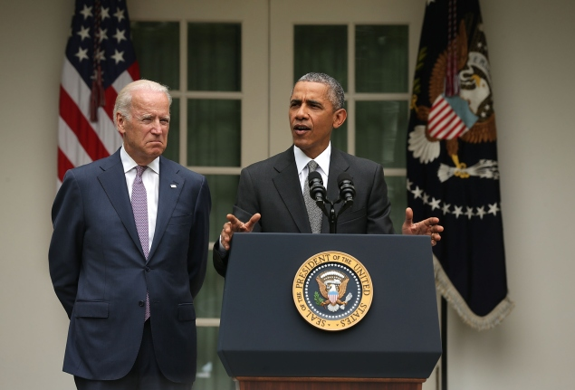 WASHINGTON, DC - JUNE 25: U.S. President Barack Obama (R), flanked by Vice President Joe Biden (L), gives a statement on the Supreme Court health care decision in the Rose Garden at the White House on June 25, 2015 in Washington, DC. The Supreme Court upheld the Obama health care subsidies in a 6-3 ruling. (Photo by Alex Wong/Getty Images)