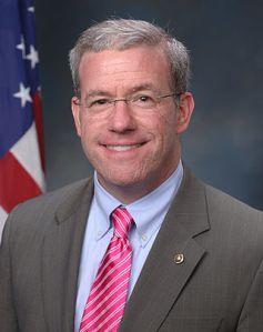 Jeffrey_Chiesa,_official_portrait,_113th_Congress[1]