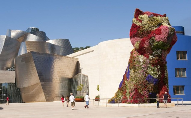 The Jeff Koons Puppy outside the Guggenheim Museum Bilbao. Courtesy: The Guggenheim.