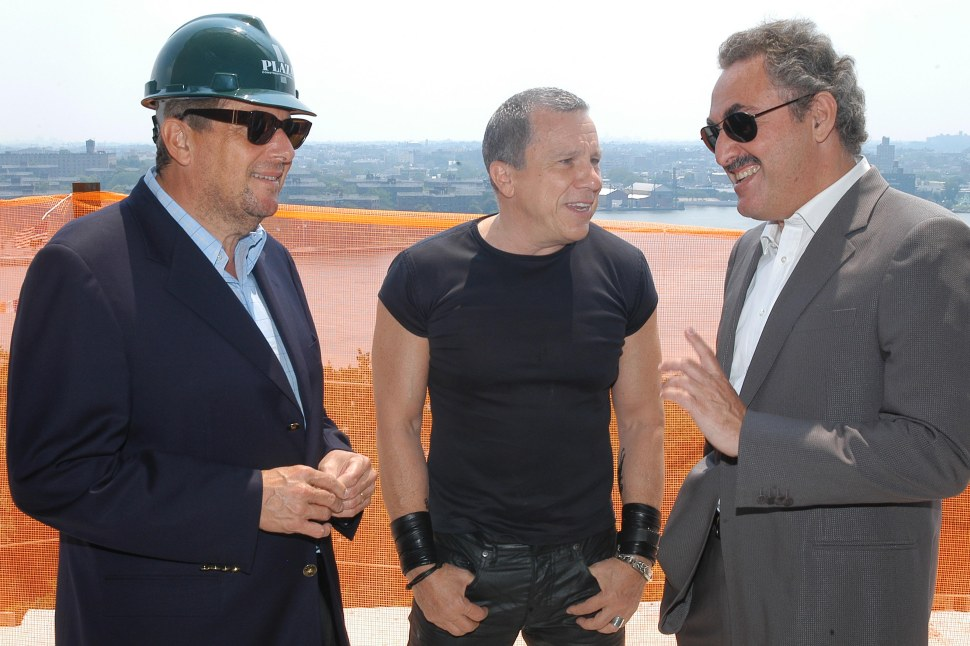 Leonard Wilf (l) and Zygi Wilf (r) with bad boy architect Peter Marino (c) at a party in July 2006. The Wilfs are the holders of the Rangers seats that Gov. Christie bought to attend two playoff games last week. (©Patrick McMullan/ Photo-Scott Rudd/PMc)