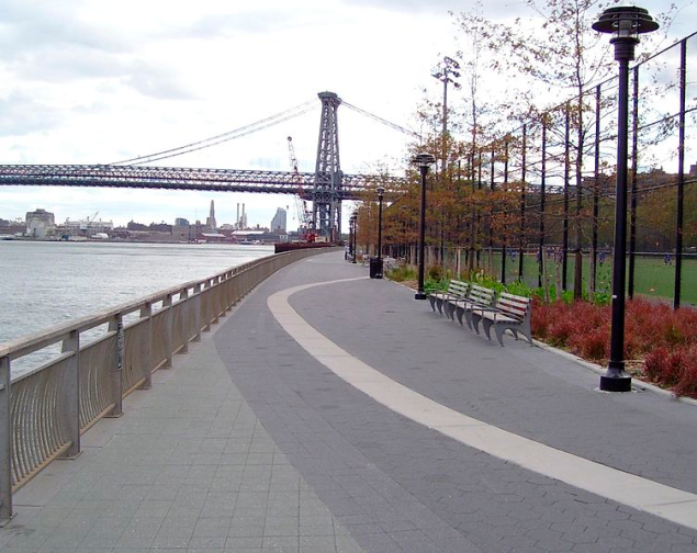 The East River Promenade. (Photo: Wikimedia Commons)