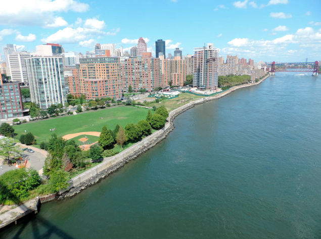 Roosevelt Island, as seen from above. (Photo: Wikimedia Commons)