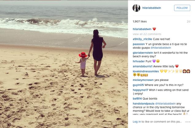 Hilaria Baldwin walked on the beach. (Photo: Instagram/Hilaria Baldwin)