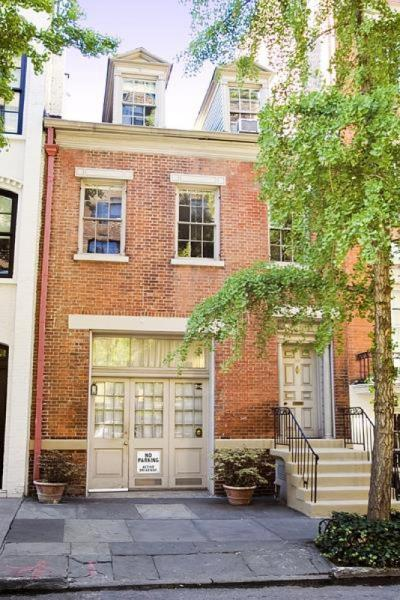 The 1830s carriage house was later converted to a townhouse.