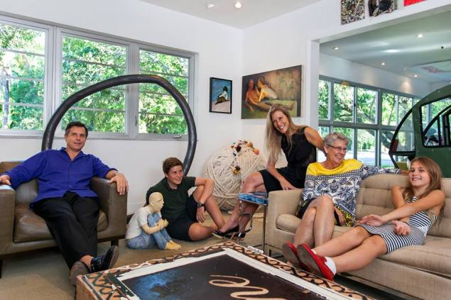 Kathryn Mikesell with her family in her Miami home. (Photo: Courtesy of the Fountainhead Residency)