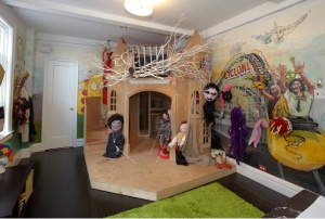 Not exactly a fairy tale dollhouse. (Street Easy)