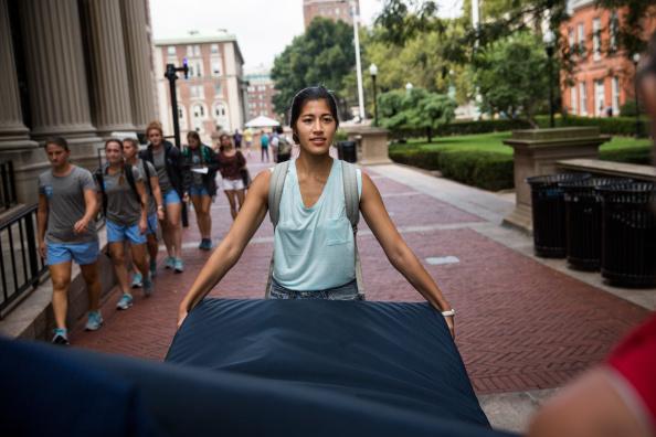 Columbia Student Emma Sulkowicz Carries Mattress Around Campus Until Her Alleged Rapist Is Expelled