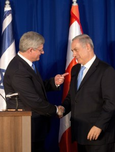 Israeli Prime Minister Benjamin Netanyahu (R) and Canadian Prime Minister Stephen Harper shake hands during a press conference following their meeting in Jerusalem, on January 21, 2014.  (Photo: MENAHEM KAHANA/AFP/Getty Images)