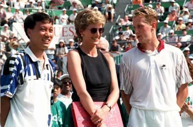 Princess Diana at the Hong Kong Open in 1995. (Photo: EMMANUEL DUNAND/AFP/Getty Images)