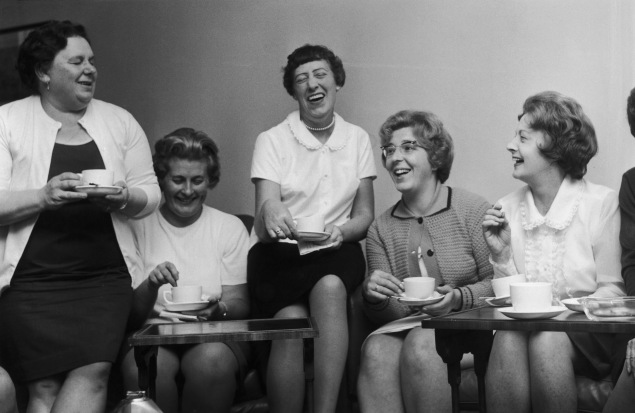 Barbara Castle (1910 - 2002, right), Secretary of State for Employment and Productivity, shares a cup of tea with the leaders of the female machinists' strike from the Ford plant in Dagenham, at the Ministry, 28th June 1968. (Photo by Wesley/Keystone/Getty Images)