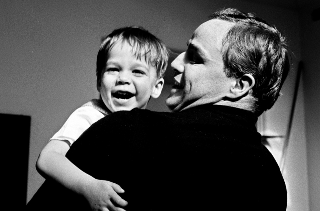 Marlon Brando with his son, Christian. (Photo: Mike Gillman/Courtesy of Showtime
